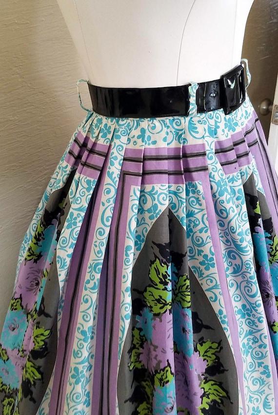 Pristine Posies - 50s 1950s Novelty Print Skirt -… - image 2