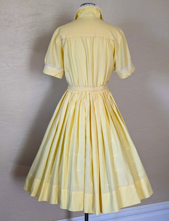 Summer Sunshine - Sweet 1950s Gingham & Lace Shir… - image 5