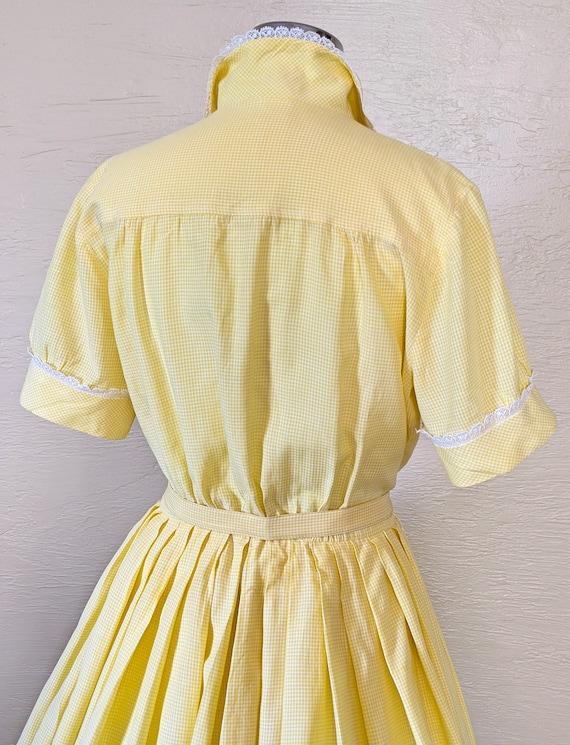 Summer Sunshine - Sweet 1950s Gingham & Lace Shir… - image 7