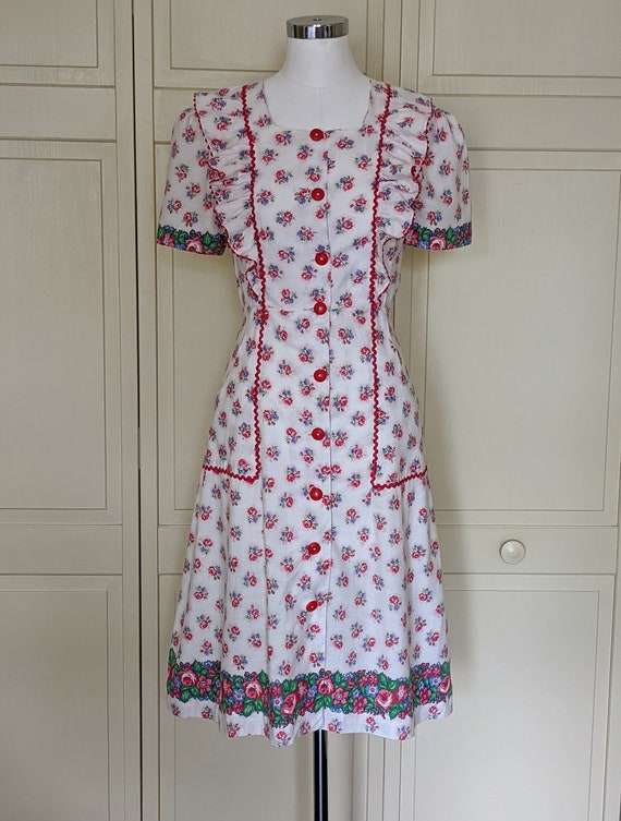 Homefront Honey! 1940s Floral Housedress - 1940s H