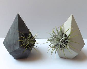 teardrop geometric cement planter // desk accessory // wedding favor // unique gift // air plant // concrete planter // birthday gift