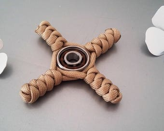 hand spinner fidget Paracord 4 branches in shades of beige