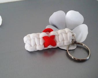 in shades of red/white Paracord keychain