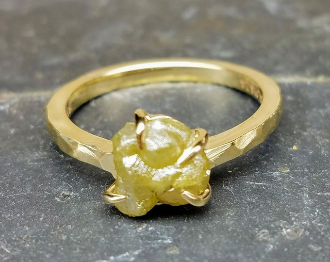 Rough diamond yellow gold ring, Raw diamond, Bague en Diamant brut, Salt and pepper diamond, Yellow diamond ring, , Rohdiamantring.