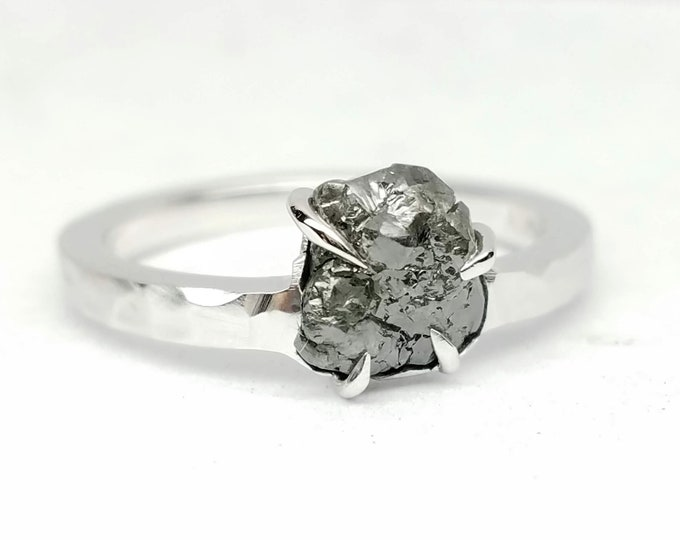 Black Rough diamond white gold ring, Raw diamond ring, Salt and pepper diamond, Bague en Diamant brut, Rohdiamantring.