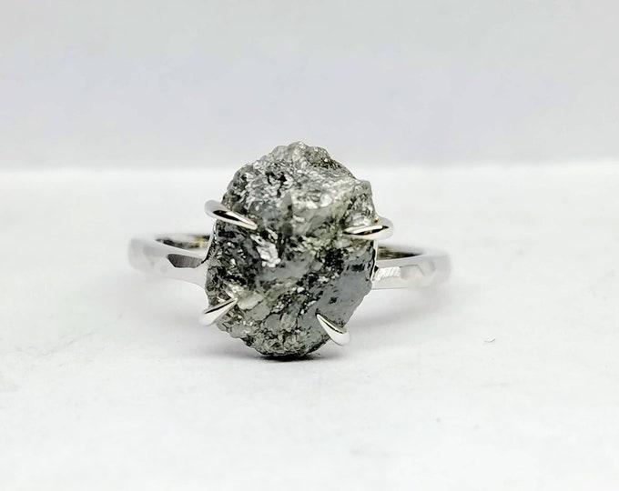 Rough diamond white gold ring, Gray diamond ring, Salt and pepper diamond, Bague en Diamant brut.