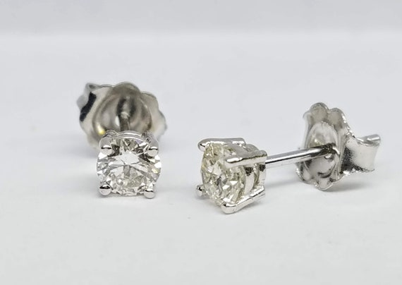 0.48ct diamond stud earrings, Diamond earrings, White gold earrings.