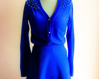 VTG Vest with studs and mini skirt size, 80's. Electric blue color.