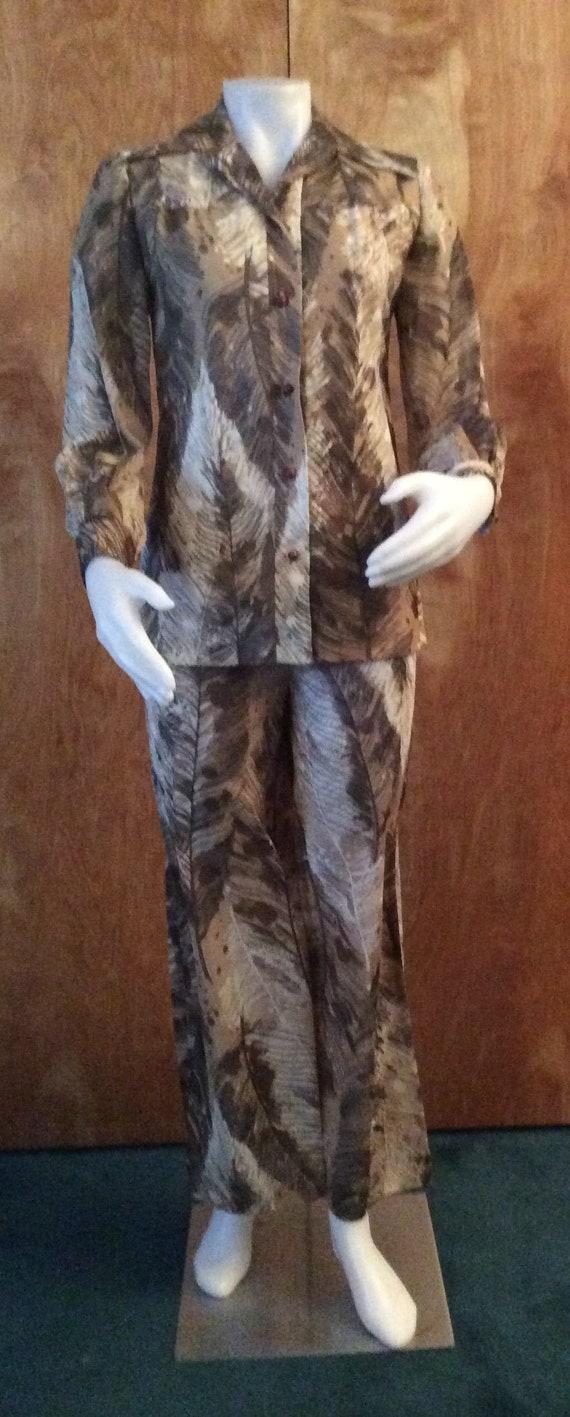 Vintage 1970's women's pantsuit brown fern print p