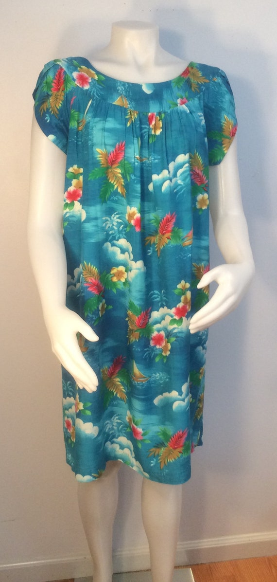 c53acc39161 Hawaiian dress vintage turquoise flowers sail boats ocean