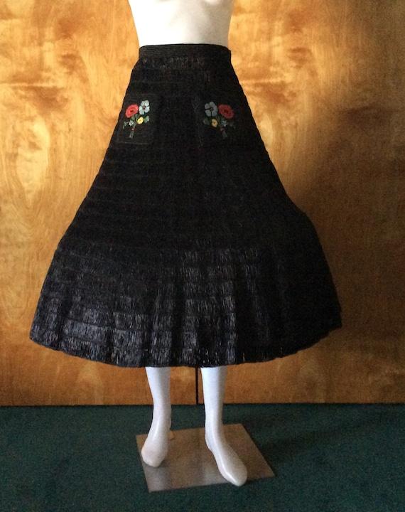 Vintage black raffia skirt floral pockets rare uni