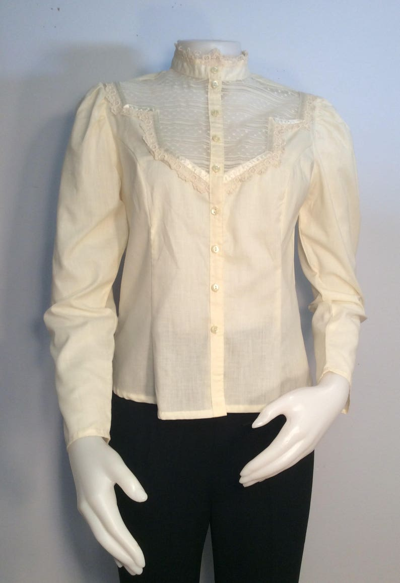Jessica/'s Gunnies ivory long sleeve blouse 1970/'s vintage lace ribbon tatting hippie theater costume boho victorian inspired