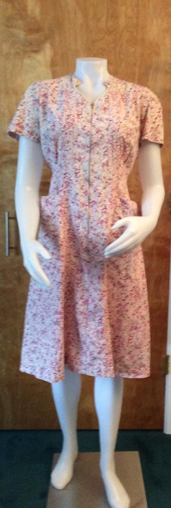 1940s house dress by NIP-N-TUCK zipper front pink