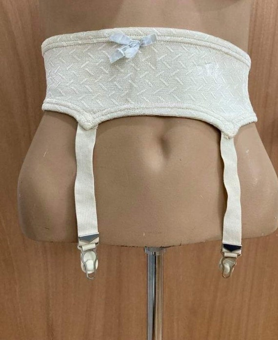 Vintage 1940s garter belt by Naturflex rayon and r
