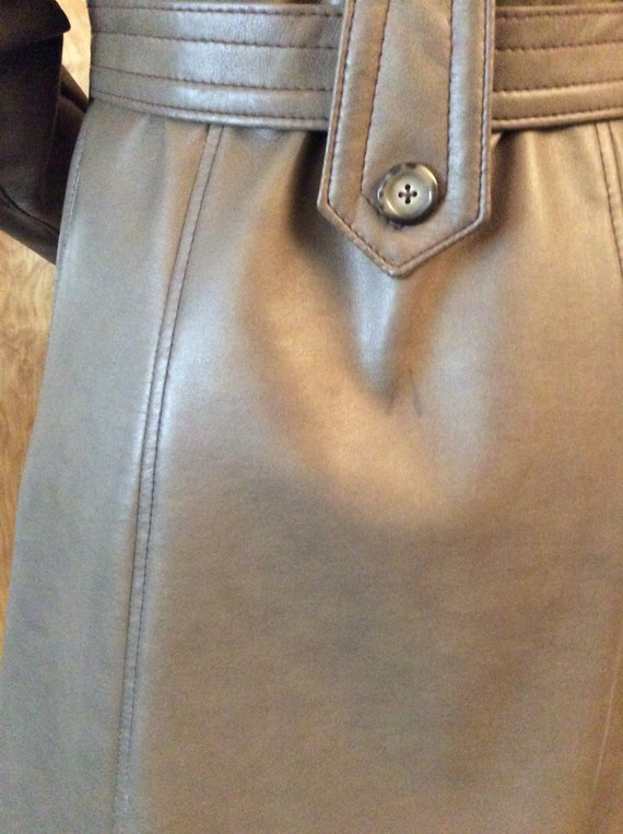 1970s vintage faux leather trench coat Port of Ca… - image 6