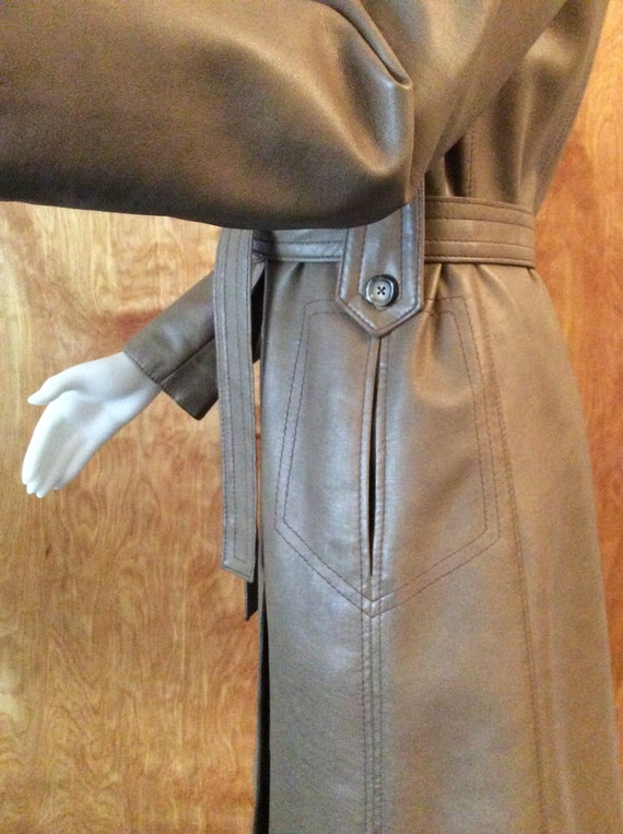 1970s vintage faux leather trench coat Port of Ca… - image 4