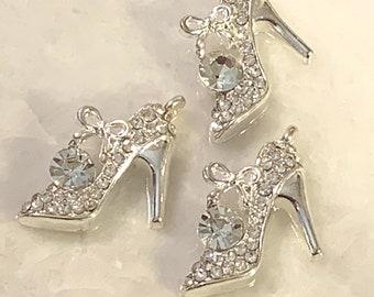 30 High Heel Shoe Charms 3D Fashion Footwear Dress Charms Antique Silver 21x10