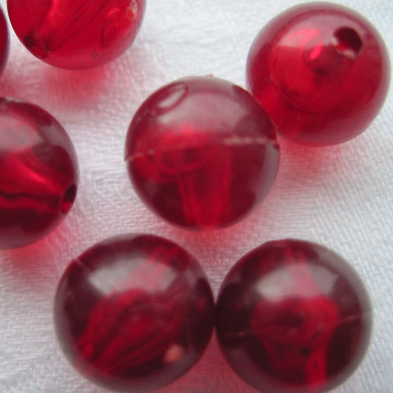 pearls plastic 100 beads 10 mm red transparent