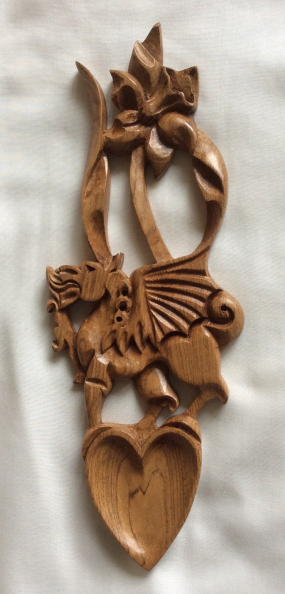 Welsh Wooden Lovespoon Engraved Welsh Dragon Daffodil Wales//Cymru Celtic