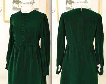 1960's Green Velvet Elizabethan Long Sleeve Dress / Lace Collar and Cuffs / Cocktail Dress / Mad Men / Rare Collectable Retro