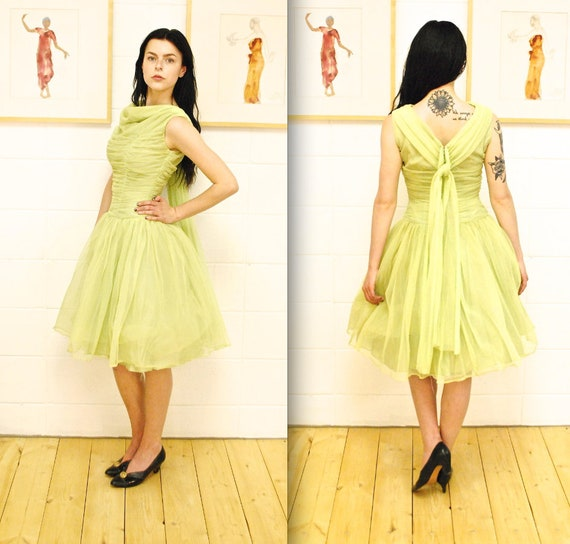 1950's/60's Pale Green Chiffon and Tulle Fit and F