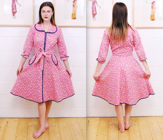 1960's Pink Floral Print Women's Quilted Dressing
