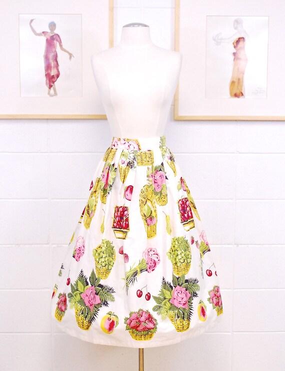 1950's/60's White ALDEN Swing Skirt with Fruit Bas
