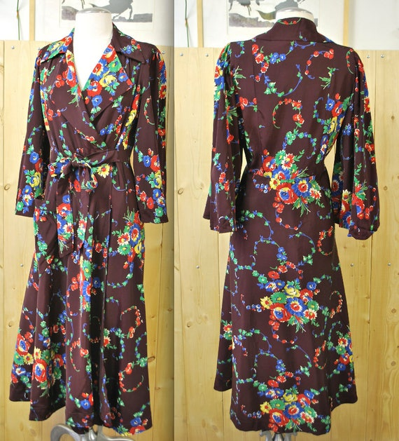 1930's/40's  Rayon Floral Print Women's Dressing G