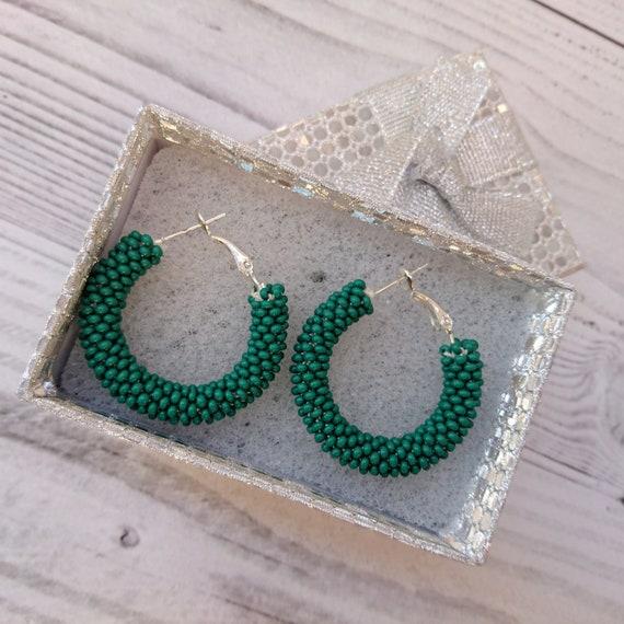 sconto di vendita caldo per tutta la famiglia morbido e leggero Verde scuro Perline Orecchini a cerchio, orecchini di perle seme verde,  orecchini a cerchio piccolo, grande cerchi di perline, orecchini peyote ...