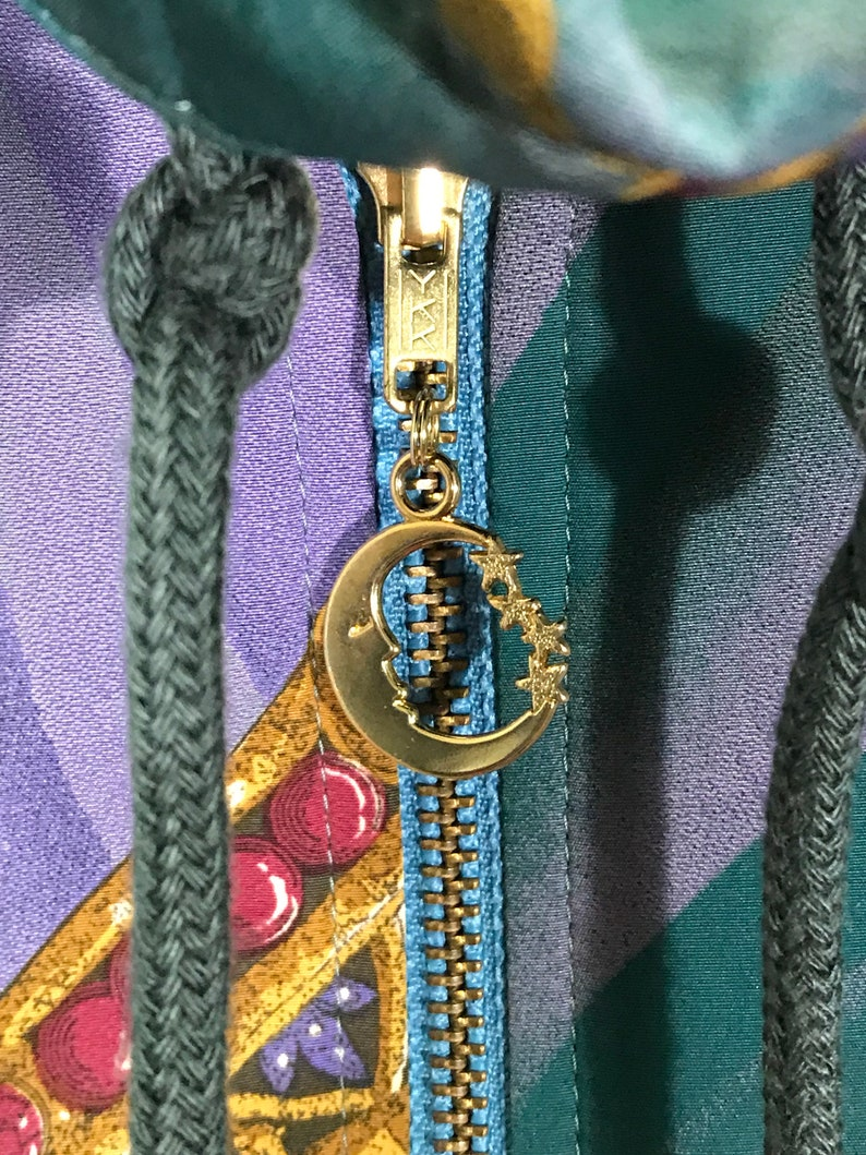 Rare Vintage 90/'s  Royalty Swag Reversible Hooded  Windbreaker Jacket size Medium M  Made In Japan  Multi Colour jacket Retro Jacket  Nyl