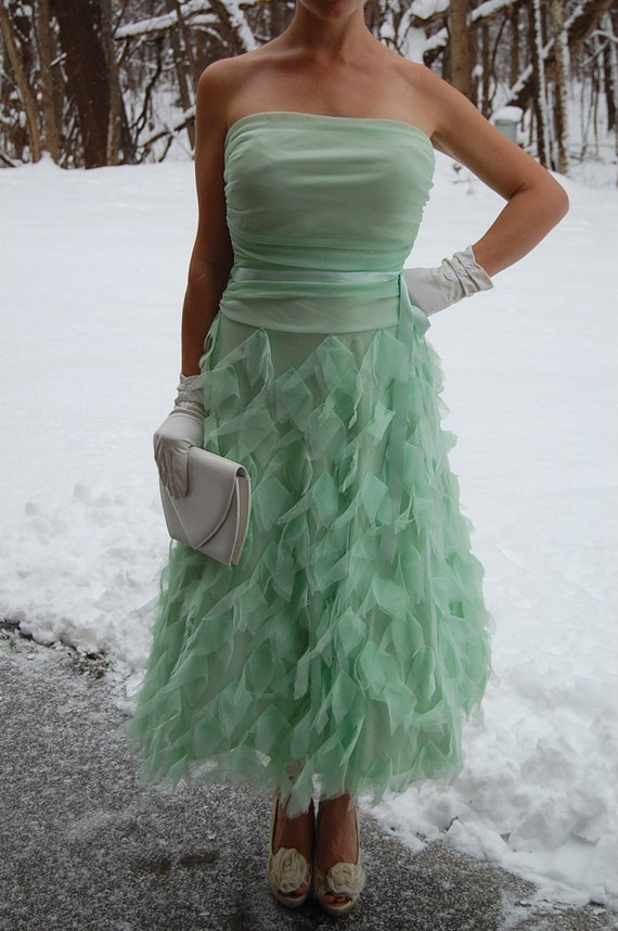 Women's summer bridesmaid dress in mint green | Fo