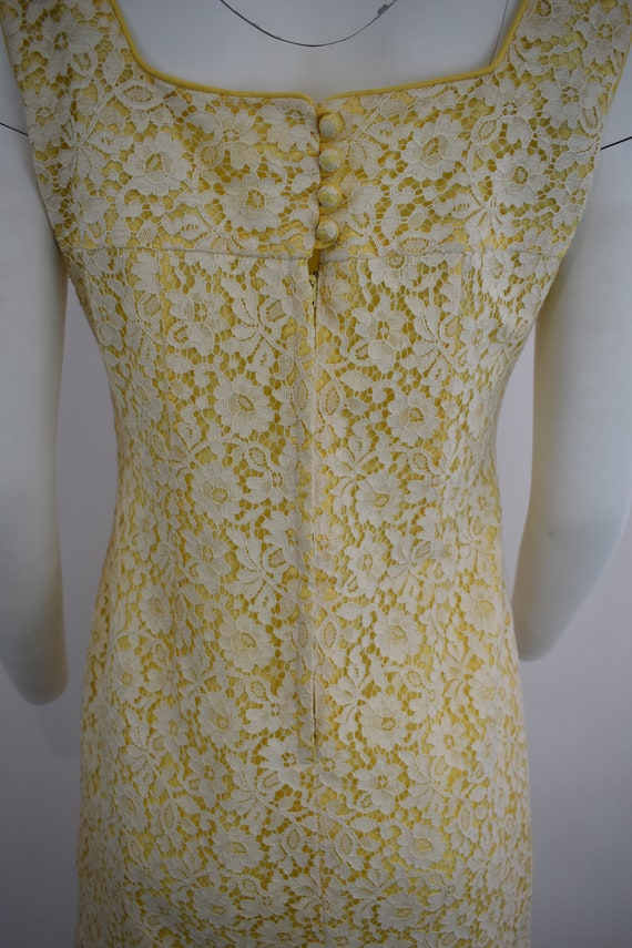 60's mini dress in yellow with cream lace | Women… - image 6