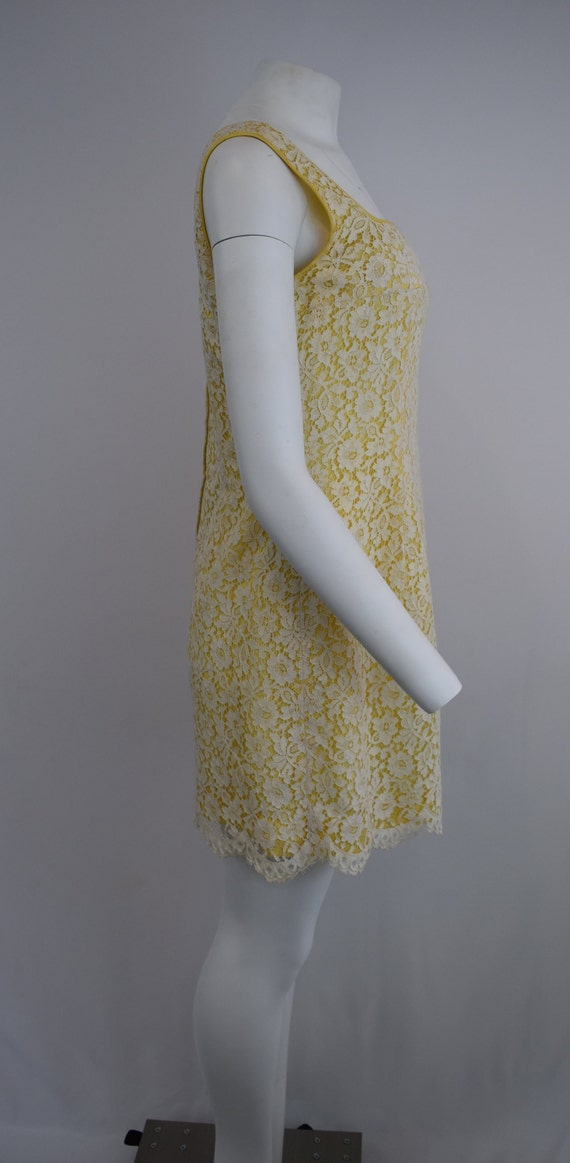 60's mini dress in yellow with cream lace | Women… - image 2