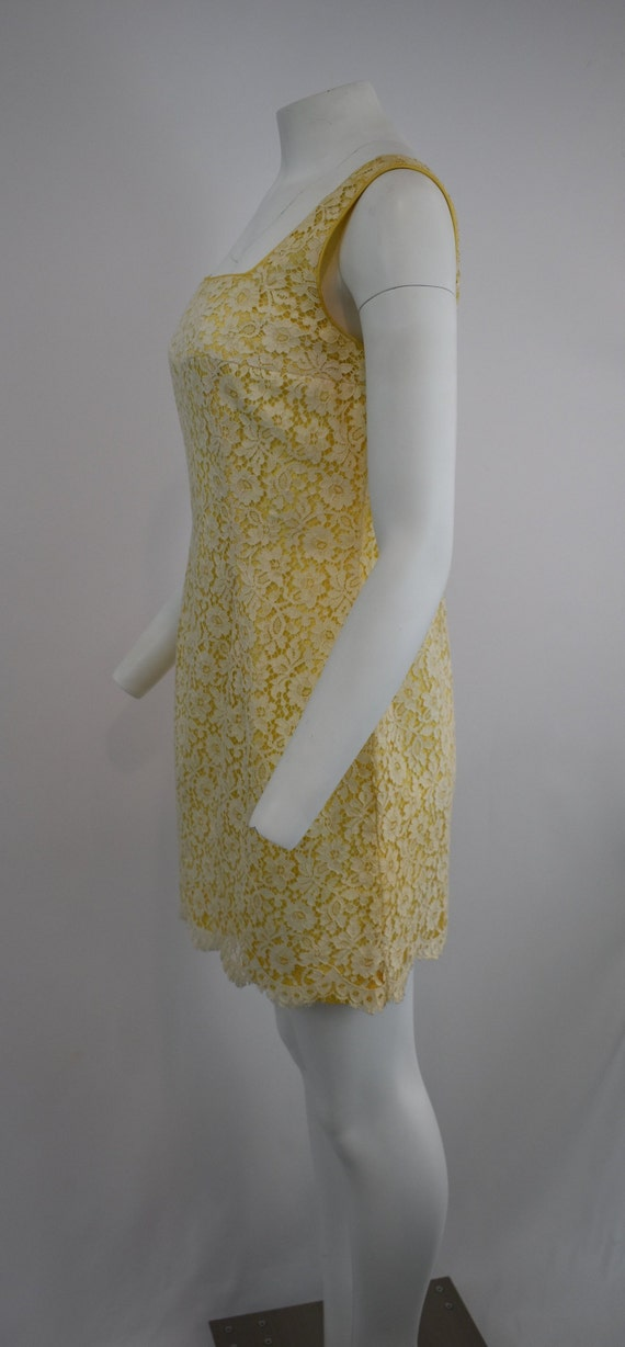 60's mini dress in yellow with cream lace | Women… - image 4