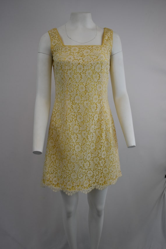 60's mini dress in yellow with cream lace | Women'