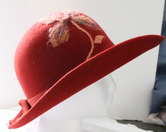 Vintage Kurt Jr by Tom Hann 100% Wool Brick Red Wide Brim Hat with Band, Bow, and Yarn Embroidered Flower