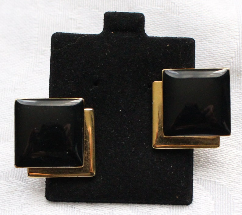 BNE # 129 Vintage Signed Monet Gold Tone and Black Enamel Overlapping Squares Clip On Earrings