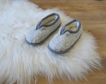 Light Grey Sheepskin Slippers - Eco Women's / Men's Merino Pure Sheeps Vegan Friendly Wool Slippers - Christmas & Birthday Gift
