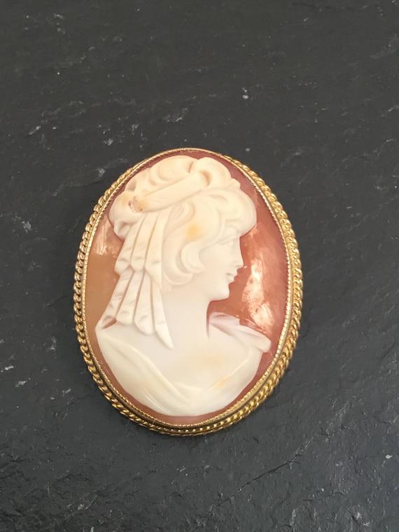 Cameo brooch, cameo pendant,vintage cameo brooch,