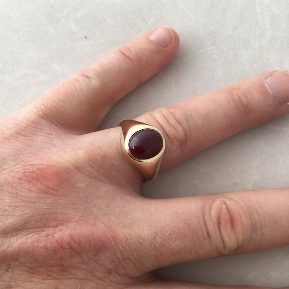 Gold Garnet ring,vintage garnet ring,ladies garnet