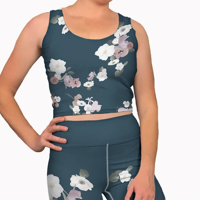 7f90b7688e37e Navy blue floral printed yoga crop tank top. Womens workout