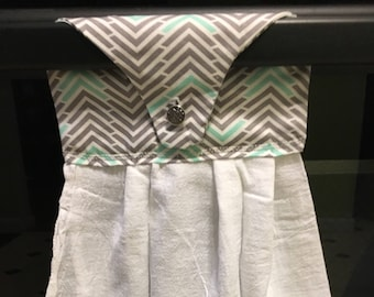 Buttoned hanging kitchen towel