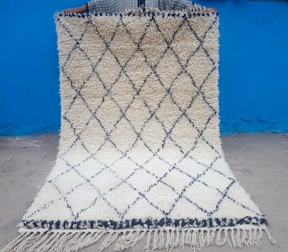 Beni Ourain Handmade Moroccan Rug 100% Wool Rug 8 X 5 Feet
