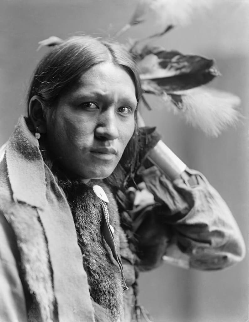 Native american portrait american indian photograph of plenty wounds indigenous american indian portrait black white photo