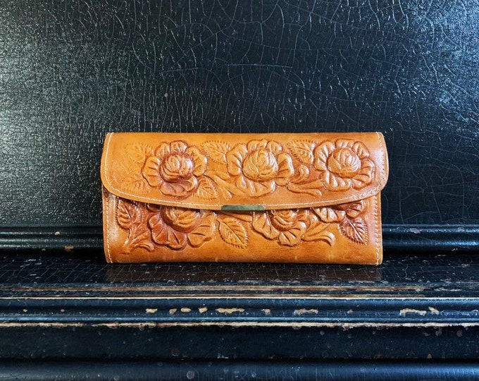 Vintage Leather Wallet | Folk Art | Handcrafted | Hand Tooled | Floral | Mexico