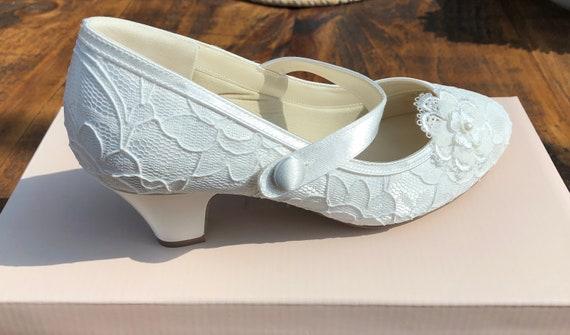 IVORY SATIN /& LACE LOW HEEL CORSAGE MARY JANE BRIDAL WEDDING SHOES SIZE 3-9 UK