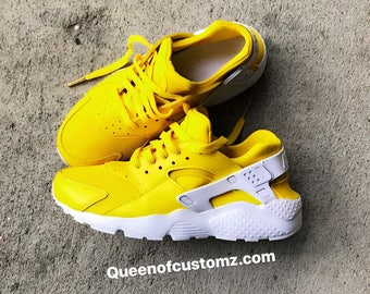 newest a9328 67b9e Yellow Gold Nike Huaraches Custom
