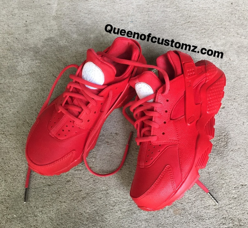 872cd08553e5 Fire Red Nike huaraches custom