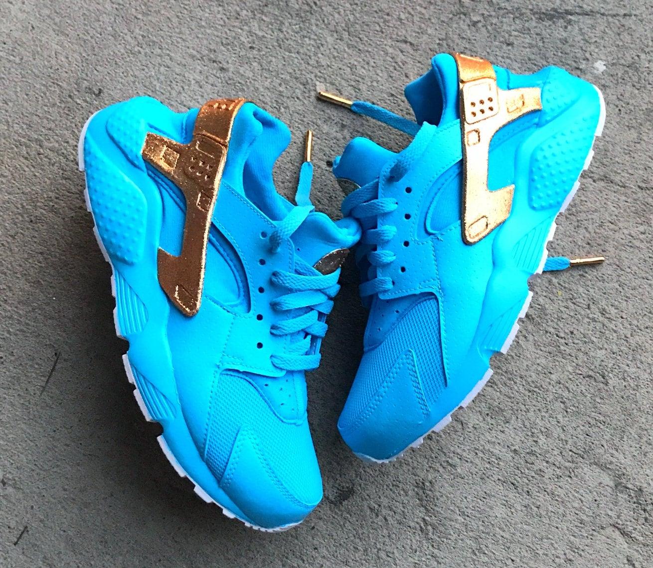 63a22fd7d926b Skyy Blue Nike Huarache Custom. 1