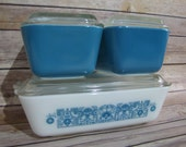 Vintage Pyrex Horizon Blue Refrigerator Set w Glass Lids White with Blue Flowers 503 Casserole Brownie Two Blue 502 1960 39 s Retro Kitchen